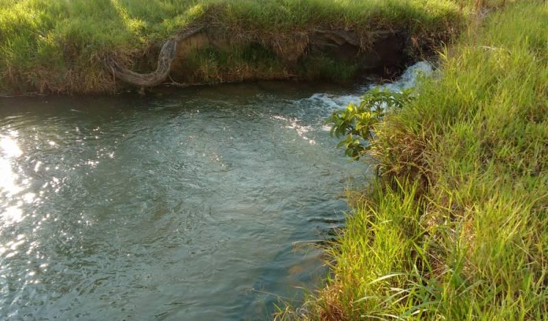 Análise e Controle de Qualidade de água Campos dos Goytacazes - Coleta de água de Rio