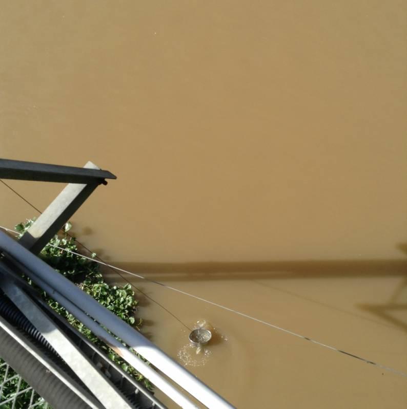 Coleta de água de Rio Mongaguá - Coleta de água de Rio